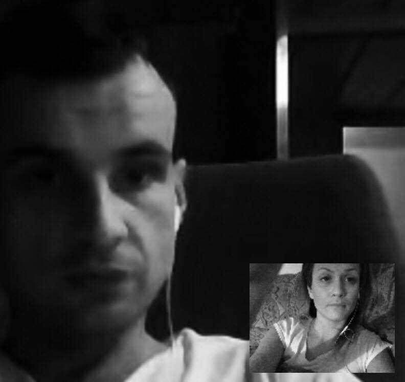 Minika Kierszniewska Codzienna walka ze skype....żeby udało sie porozmawiać....zasnąć razem słysząc swoj oddech w słuchawkach..
