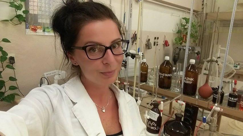 karolina-zaluza-laborantka-chemiczna