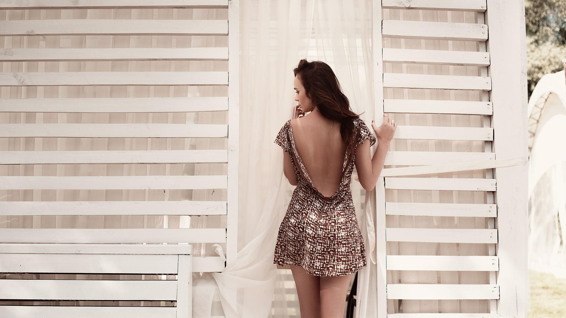 dress-1781928_1920